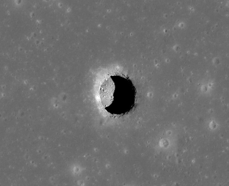 Científico propone construir un «Arca de Noé» en la Luna, por si algo sucede con la Tierra